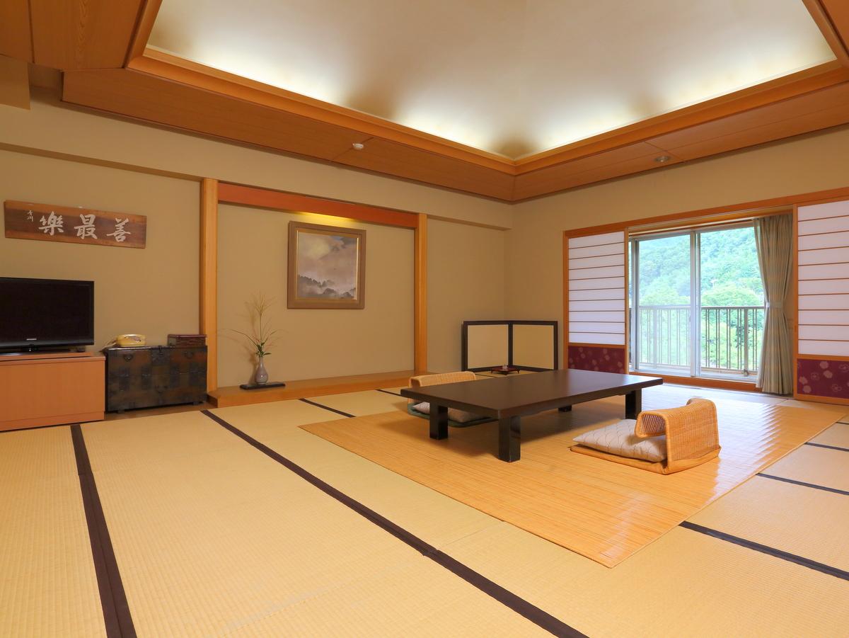 最も広い20畳和室特別室。