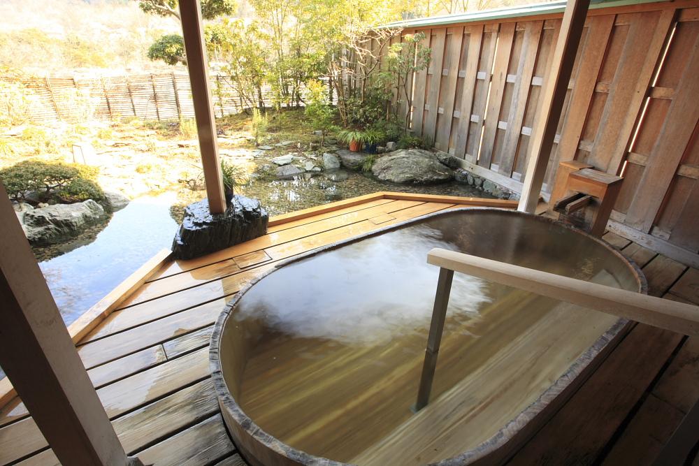 女湯 檜風呂
