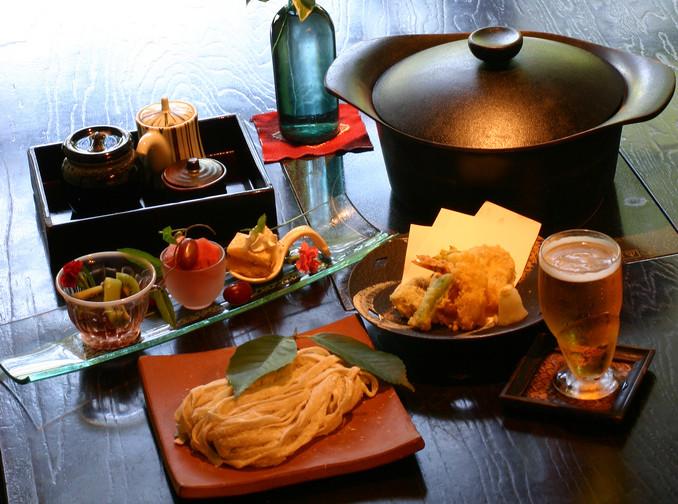 古式を残す民家の佇まいの中で 和食料理と秩父のうどん「ずりあげうどん」