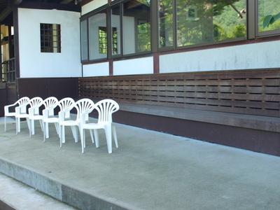 待合所で長瀞渓谷を眺めながらお待ちください