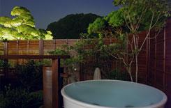 露天風呂付き客室のお風呂