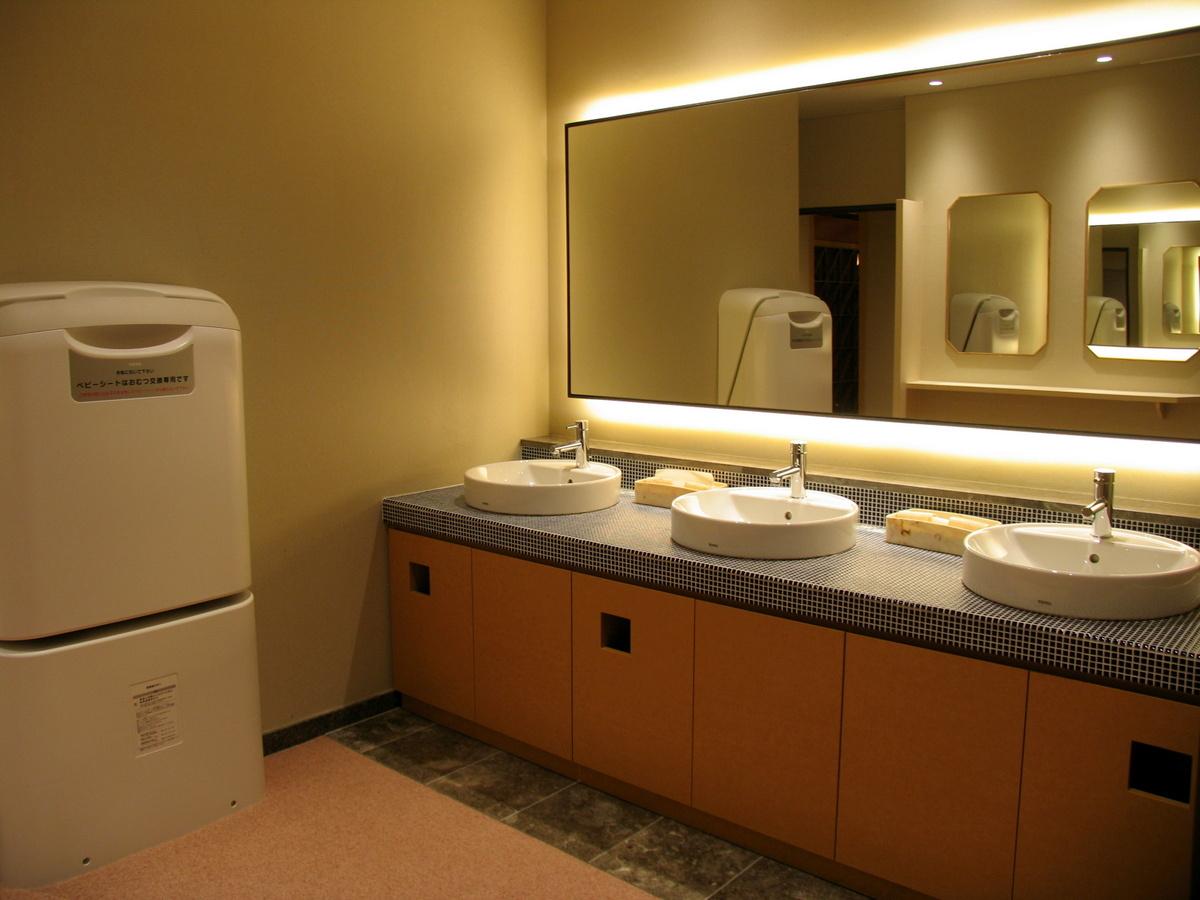 お手洗いは近年改装し綺麗で使いやすくなりました。