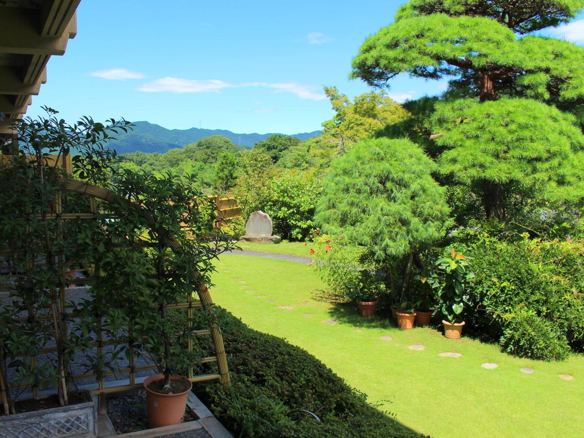 【1階】庭園はすぐそこ!間近です。