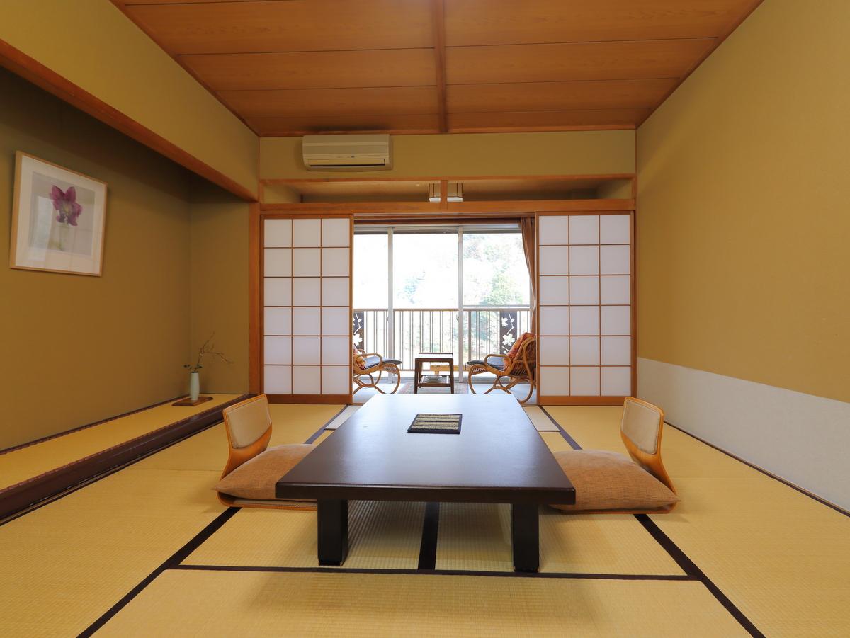 【2階】室内からも長瀞渓谷が望めます。